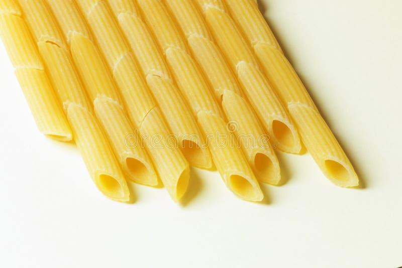 Rohes Teigwaren penne stockfotografie