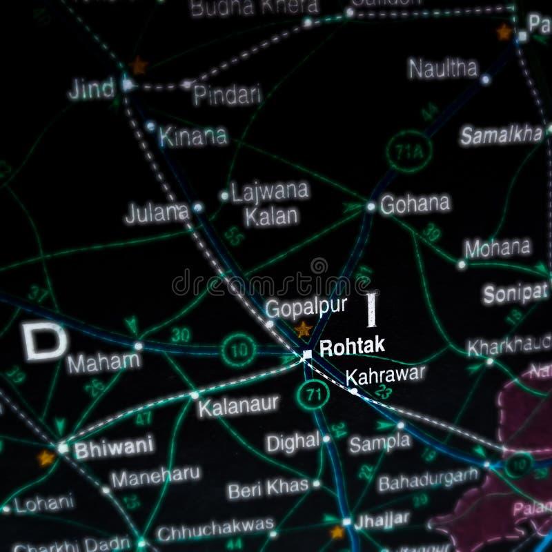 Rohtak City name op de geografische kaart in India stock afbeelding