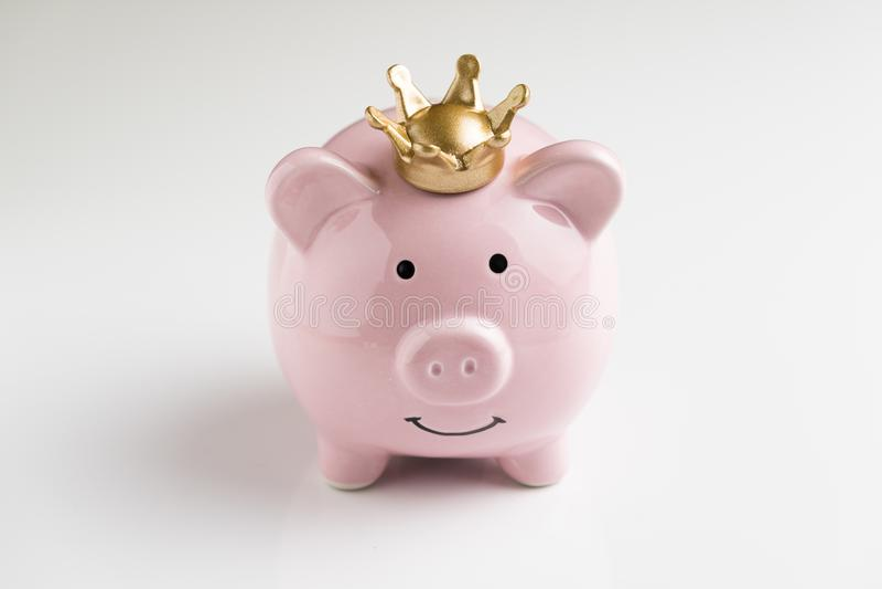 Roi de concept de l'épargne d'argent, gagnant financier, p heureux de sourire photographie stock libre de droits