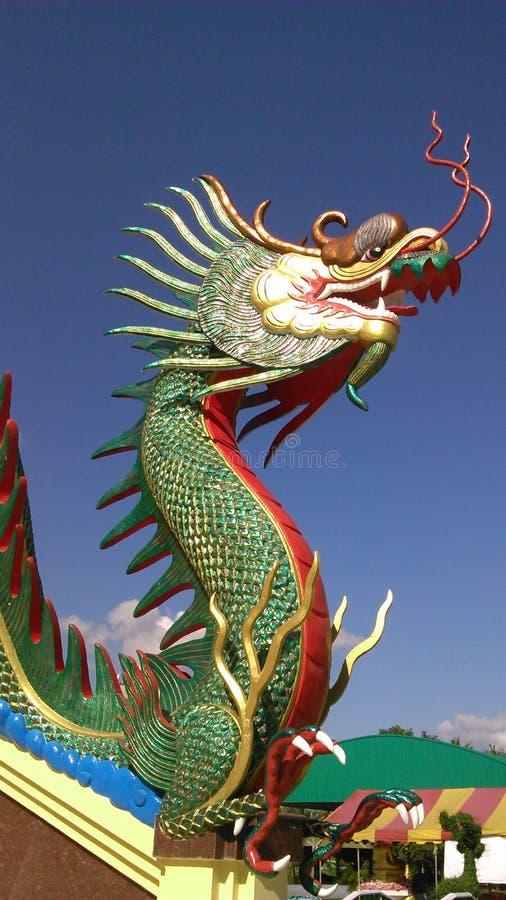 Roi de Naga sous le ciel bleu images stock