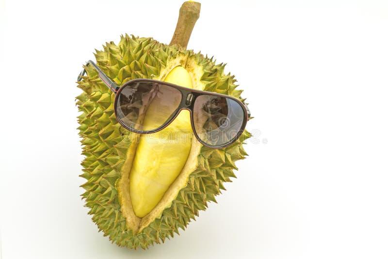 Roi des fruits, du durian de sourire et des sunglass d'isolement sur le Ba blanc images stock