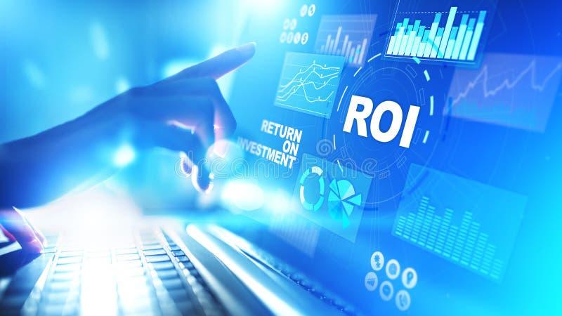 ROI - Retur p? investering, handel och finansiellt tillv?xtbegrepp p? den faktiska sk?rmen arkivbilder