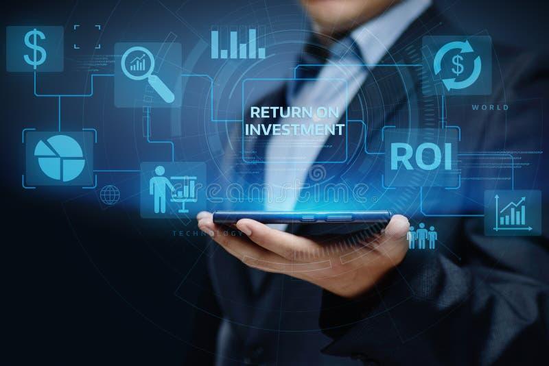 ROI Return på begrepp för teknologi för affär för internet för framgång för investeringfinansvinst arkivfoto