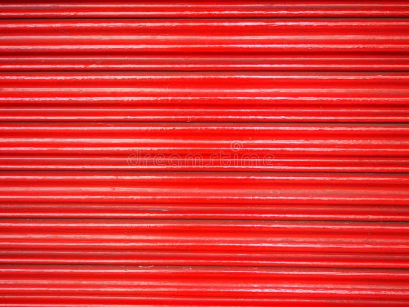 Rojo de acero de la puerta imágenes de archivo libres de regalías
