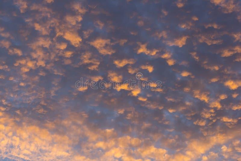 Rojo del cielo imagen de archivo libre de regalías