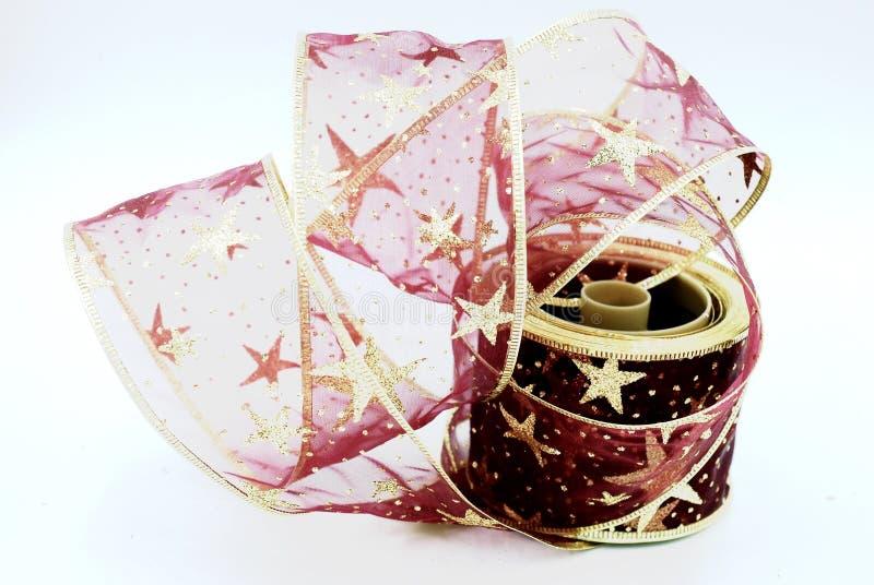 Rojo y cinta de la Navidad del oro imagen de archivo libre de regalías