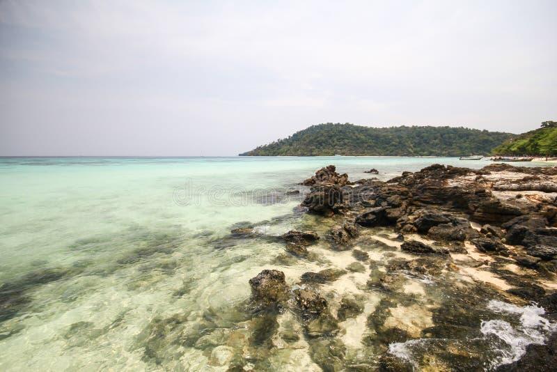 Download Rok海岛,酸值Rok,董里府泰国 库存图片. 图片 包括有 旅途, 游人, 旅行, 沿海, 通知, 旅游业 - 59106243