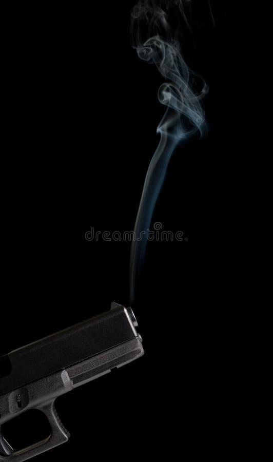 Rokend kanon stock foto