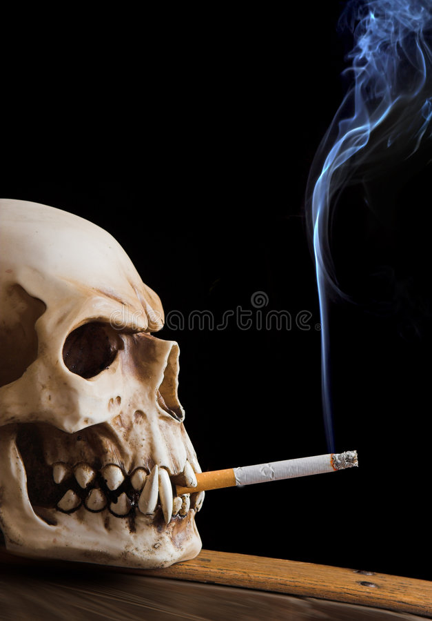 Rokende schedel royalty-vrije stock foto's