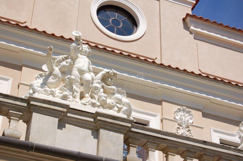 Rokokowy i neoklasyczny Kozlowka pałac w Lublin Voivodeship, Polska (KozÅ 'Ã ³ wek) zdjęcie royalty free