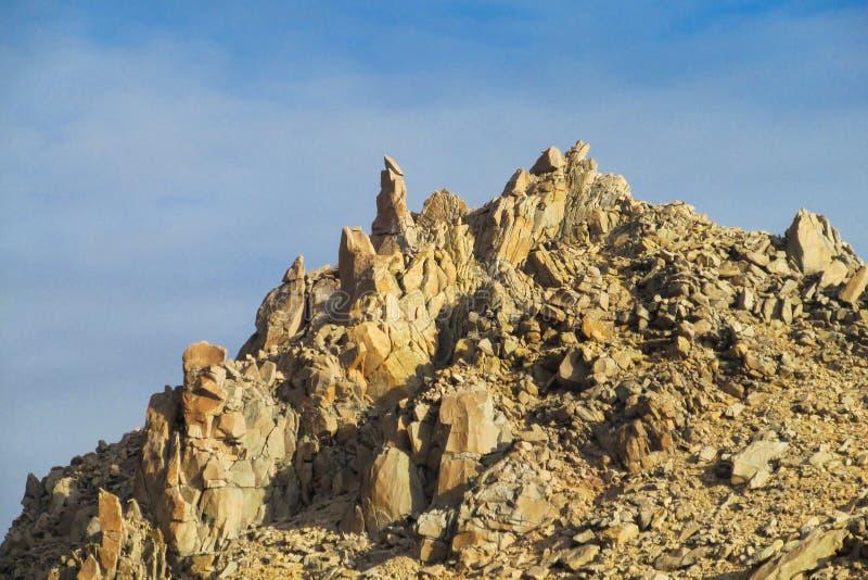 Roky bergskedja royaltyfria foton