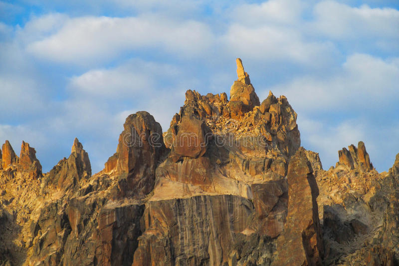 Roky bergskedja arkivbilder