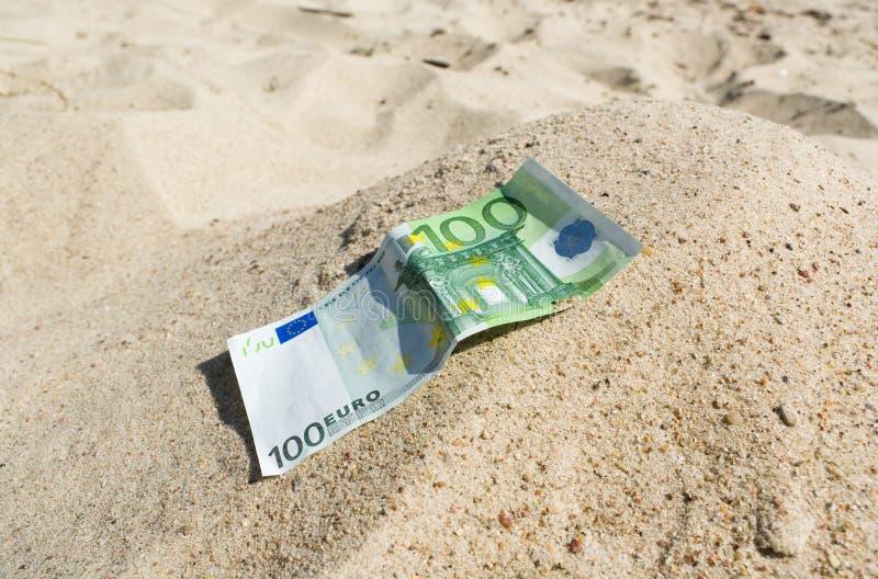 Rolamento do dinheiro da montanha da areia. fotografia de stock royalty free
