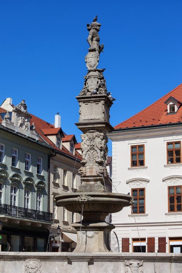 Roland fontanna w Bratislava Starym miasteczku obrazy stock