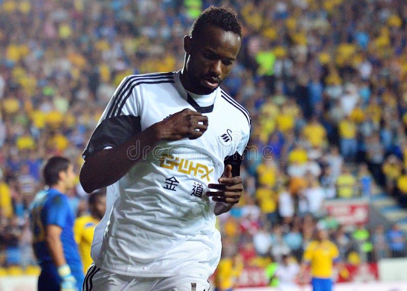 Roland Lamah dans Petrolul Ploiesti-Swansea FC image libre de droits