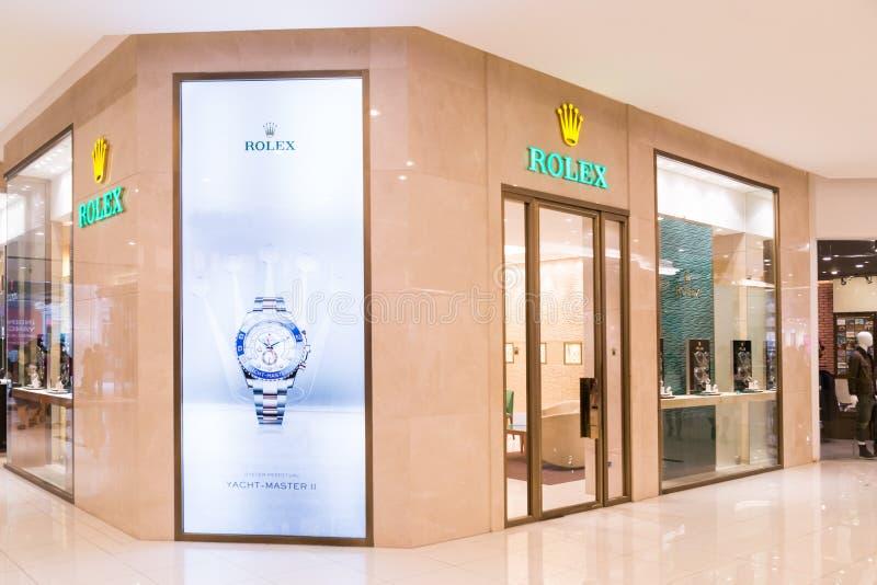 Rolex SA med dess uttag i Kuala Lumpur, detaljhandel- och servicearmbandsur under Rolex och Tudor märken arkivbild
