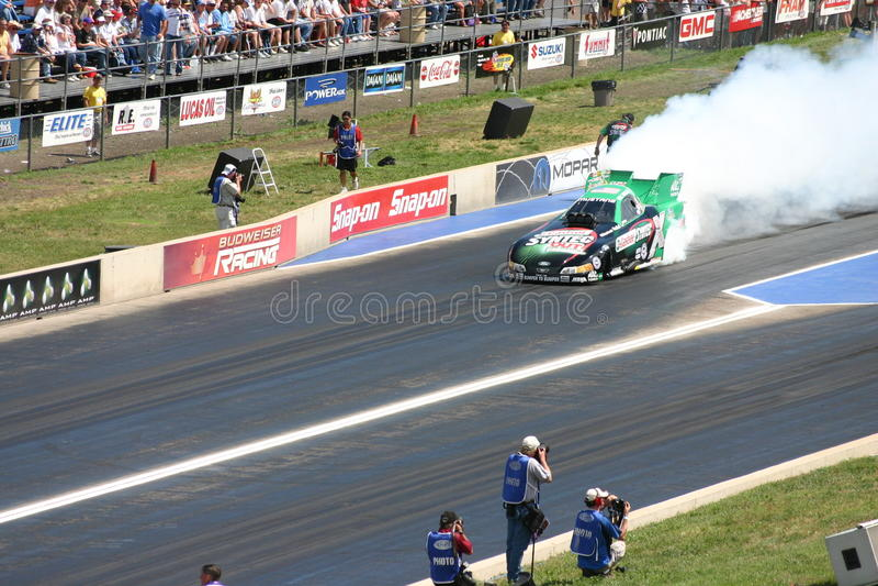 Rolig bil för bästa bränsle royaltyfri foto