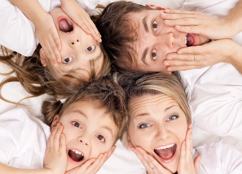 Rolig familj royaltyfri fotografi
