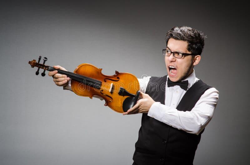 Rolig fiolspelare arkivfoton