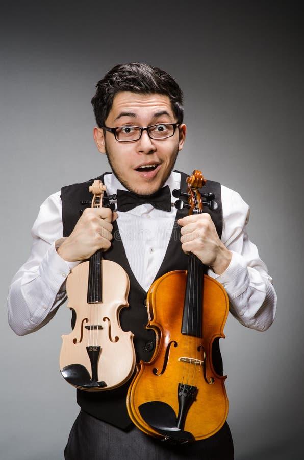 Rolig fiolspelare arkivfoto