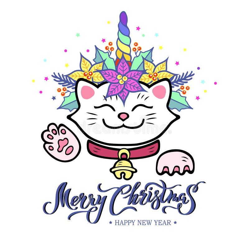 Rolig glad julkort med hand dragen bokstäver, Maneki Neko katt med enhörninghornet, julstjärnaväxtkrans stock illustrationer