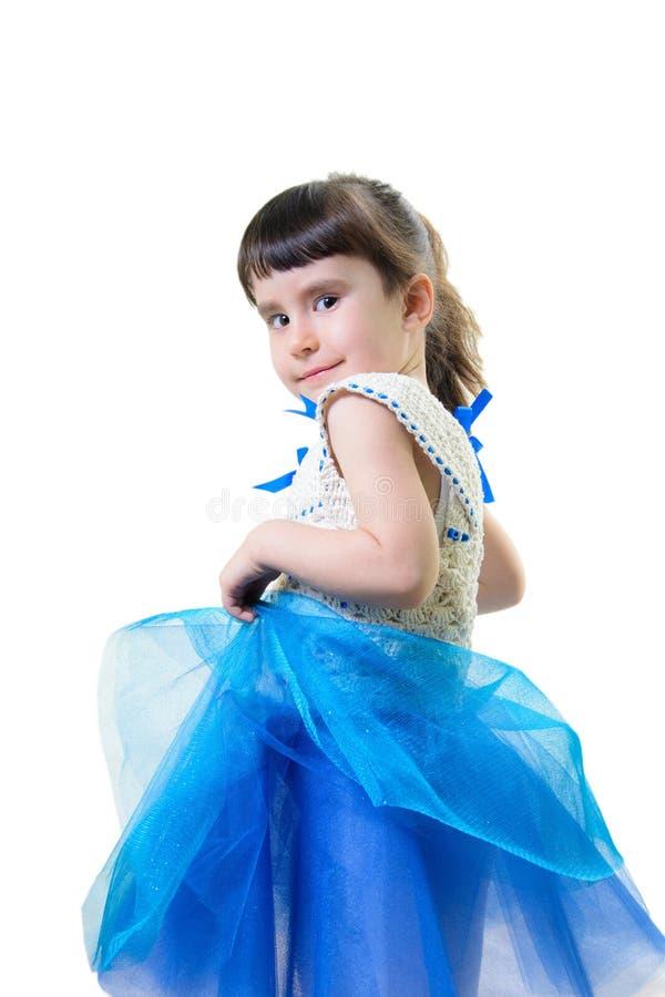 Rolig le liten flickastående över vit bakgrund arkivbild