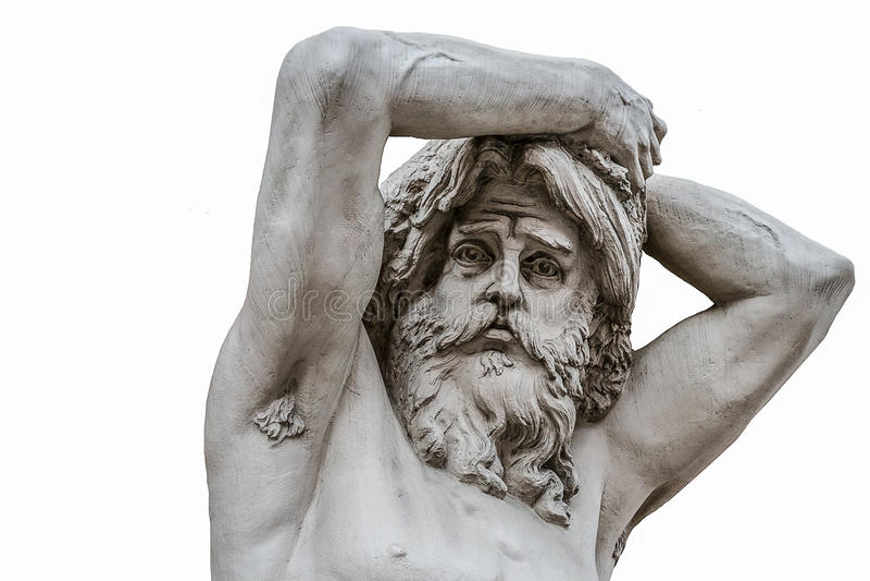 Rolig ledsen framsida av en forntida manskulptur som isoleras på vit bakgrund fotografering för bildbyråer