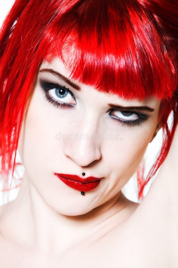 Rolig & sexig uttrycksfull rödhårig manflicka arkivfoto