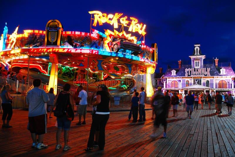Roliga nätter på pir på Jersey Shore royaltyfri foto