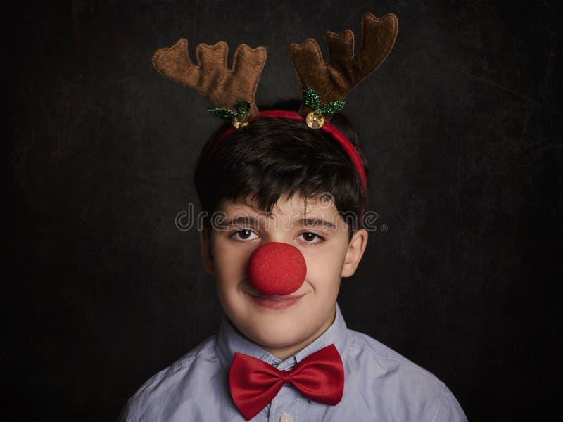 Roligt barn på jul royaltyfri bild