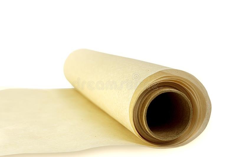 Rolka pergaminowego papieru do pieczenia wyizolowana na białym tle Widok z boku obraz stock