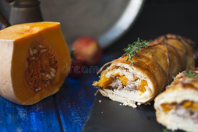 Rolka z banią piec Wyśmienicie zdrowy lunch w jesieni obrazy royalty free