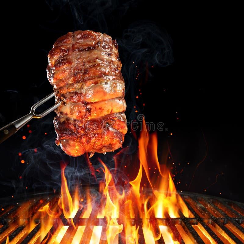 Rollè Turchia sul barbecue fotografia stock
