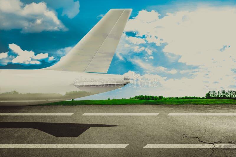 Rollbahnflughafen und -passagierflugzeug Konzept stockbilder
