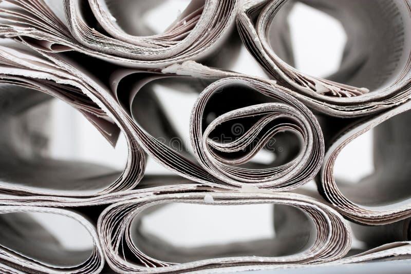 Rolle der Nachrichtenpapiere lizenzfreie stockfotografie