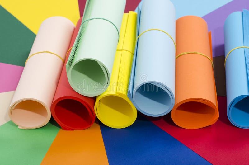 Roller av färgpapper arkivfoto