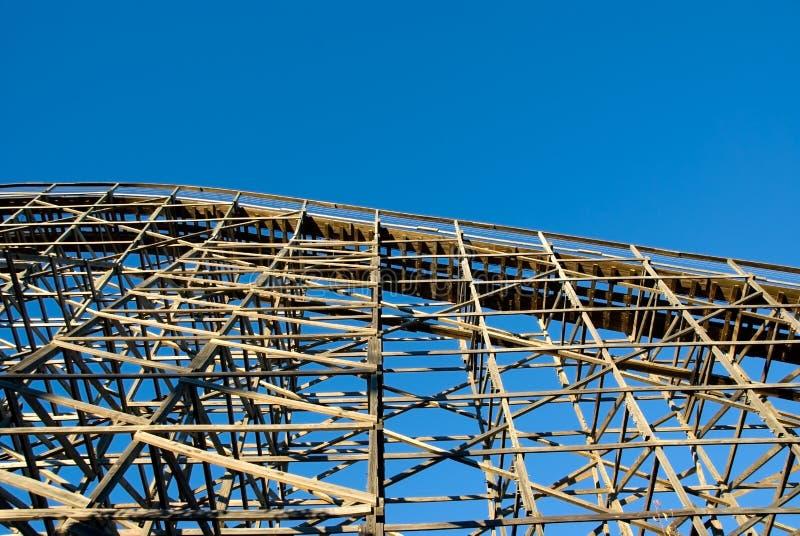 Roller coaster di legno immagini stock libere da diritti
