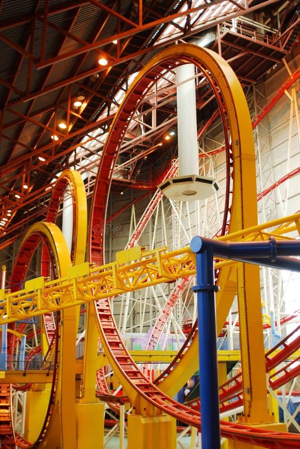 Roller coaster nel viale ad ovest di Edmonton immagini stock libere da diritti