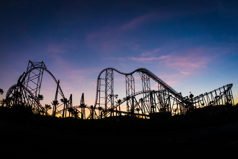 Roller coaster no por do sol imagens de stock