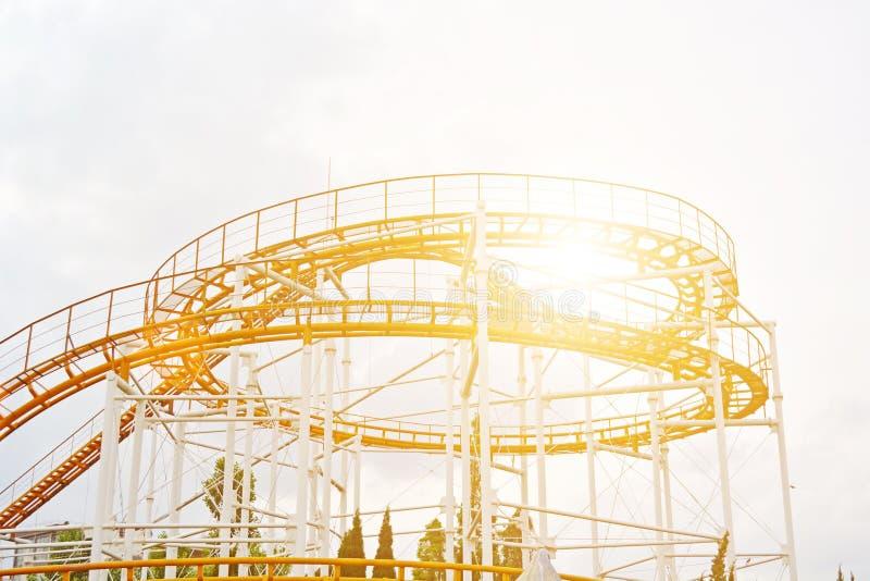 Roller coaster rojo fotografía de archivo
