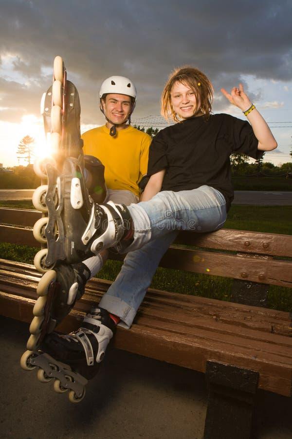 rollerblading的夫妇 免版税图库摄影