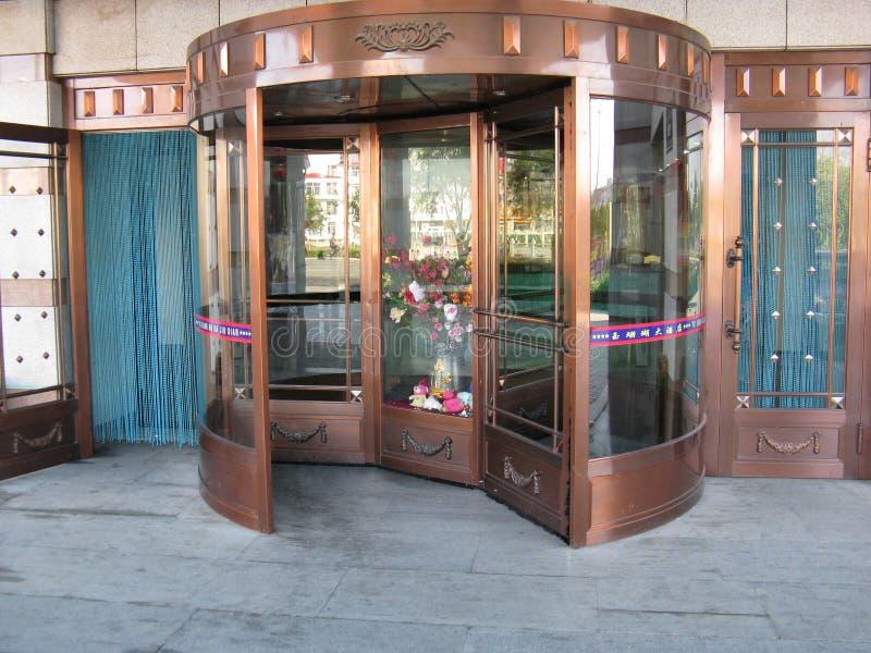 Rolling deur in hotel royalty-vrije stock fotografie