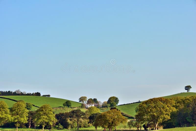 Rolling Engelse heuvels en weelderige landbouwgrond royalty-vrije stock fotografie