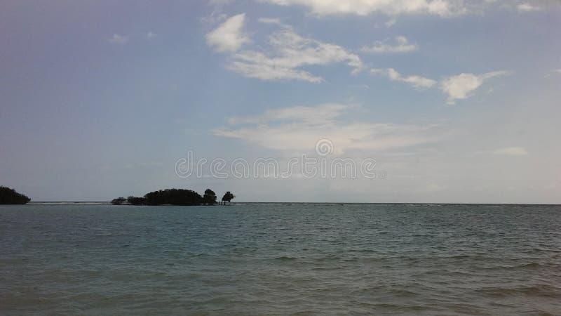 Rolling Golven bij Chaweng-Strand op Koh Samui Island, Thailand stock foto
