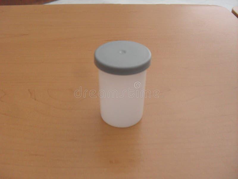 Rollo cerrado caso 35 milímetros imagen de archivo
