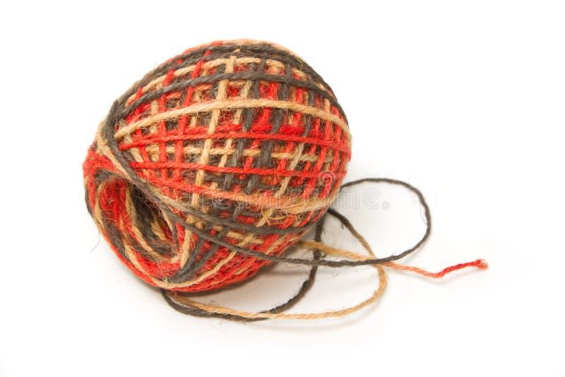 Rollo colorido de la cuerda del cáñamo foto de archivo