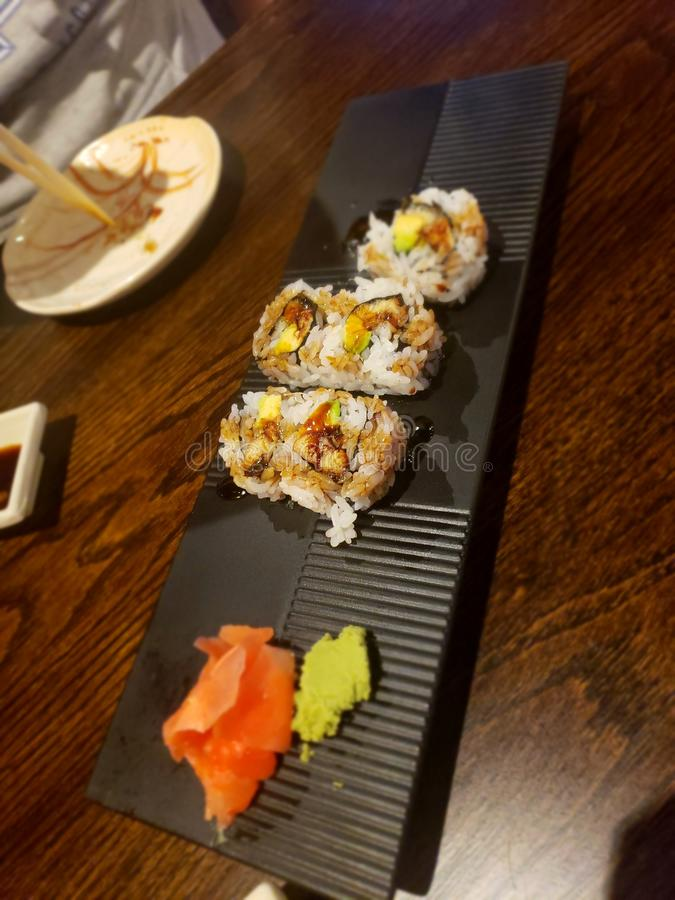 Rollo de la anguila del sushi imágenes de archivo libres de regalías