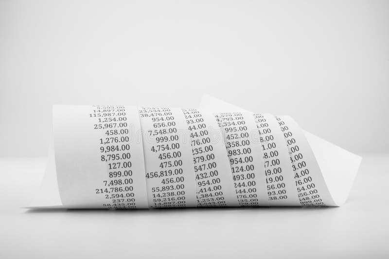 Rollo de papel impreso blanco y negro imagen de archivo