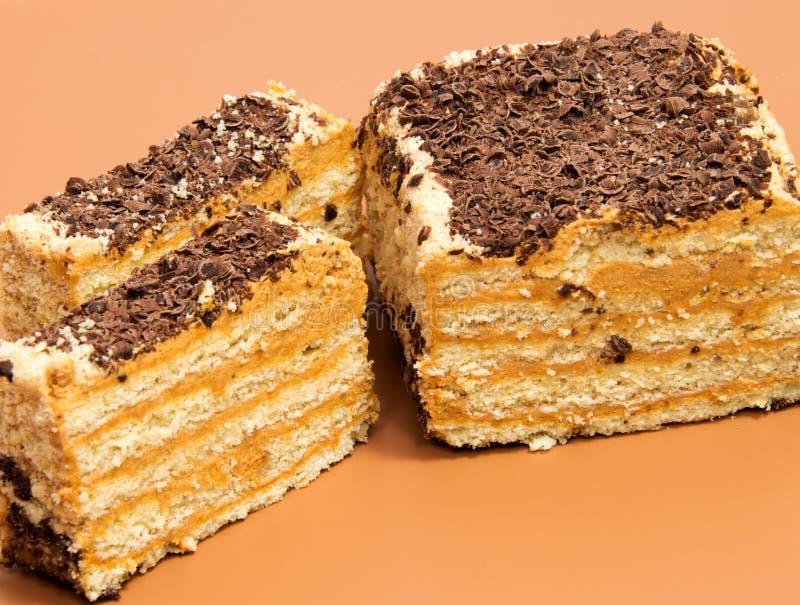 Rollo suizo de la galleta en marrón imagen de archivo