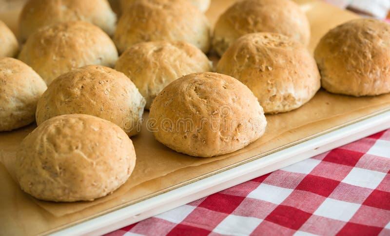 Rollos de pan de centeno del trigo integral foto de archivo libre de regalías